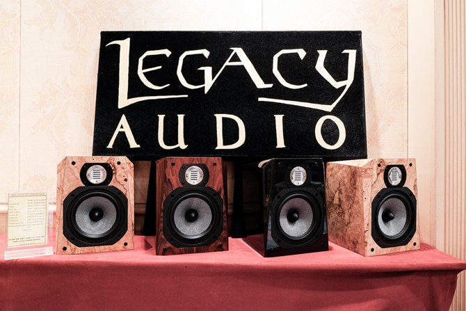 Loa bookshelf-Legacy-Audio-Studio-HD