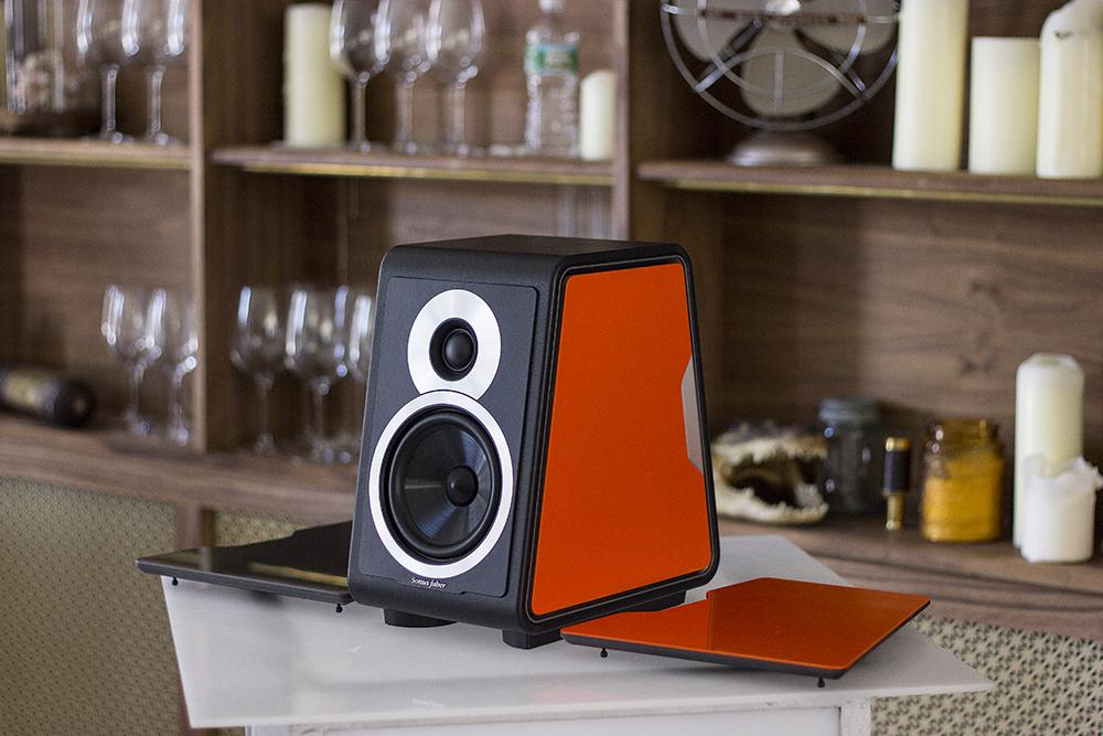 chameleon d ng loa c o c a sonus faber. Black Bedroom Furniture Sets. Home Design Ideas