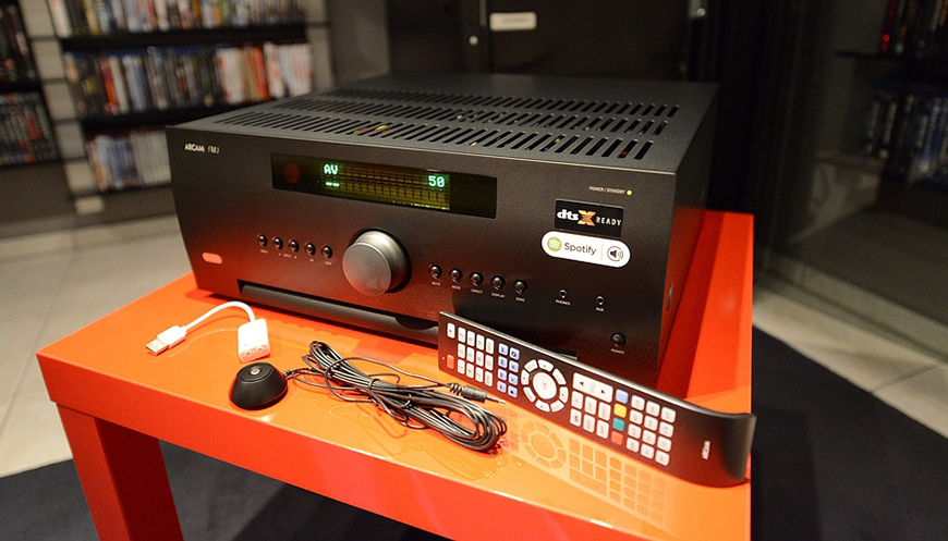 5. Ampli Arcam FMJ AV860