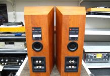 mat sau Loa JBL STUDIO 530 black