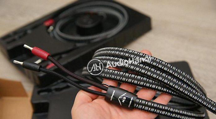 Day loa AudioQuest K2 Flat Rock chuan