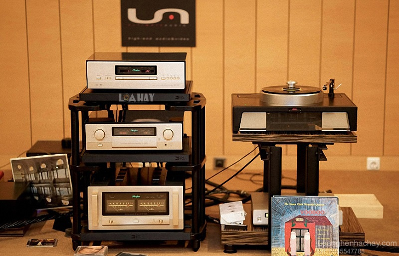 Power ampli Accuphase P-7300 chat