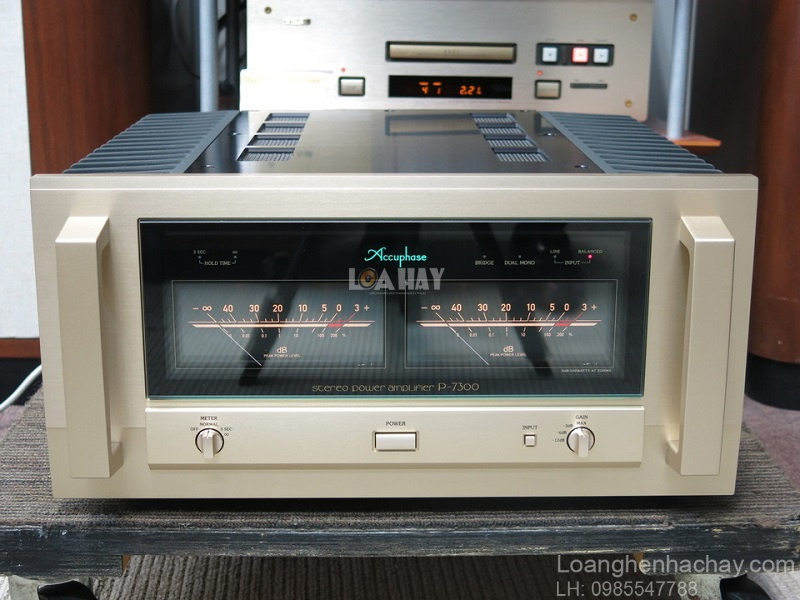 Power ampli Accuphase P-7300 tot