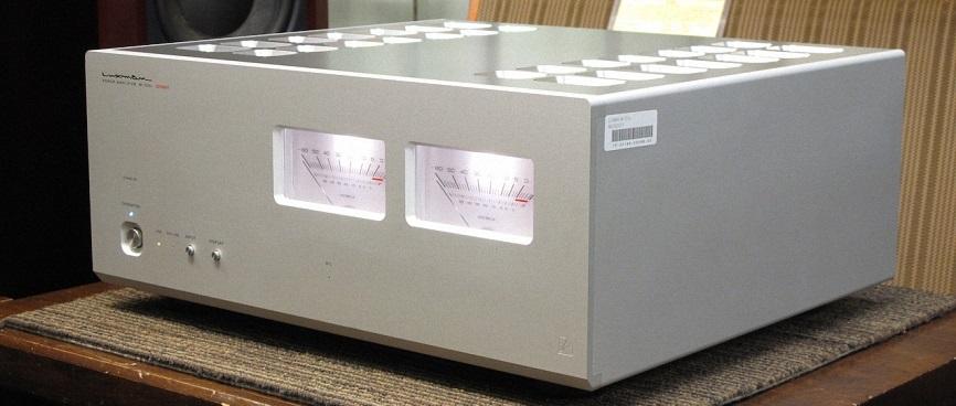 1. power ampli luxman M-700U