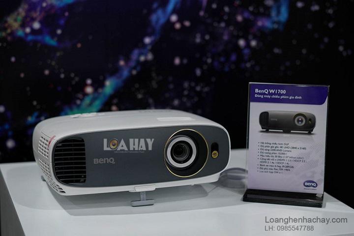 May chieu BenQ 4K HDR W1700