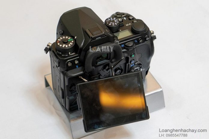 May anh Pentax K-1 Mark II chuan