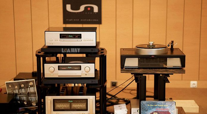 Power ampli Accuphase P-7300 chuan