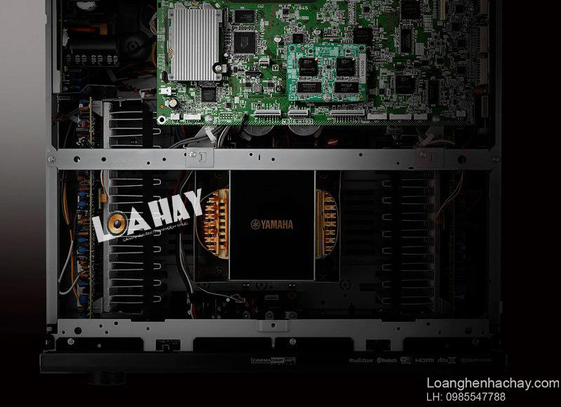 ampli Yamaha RX A2080 trong